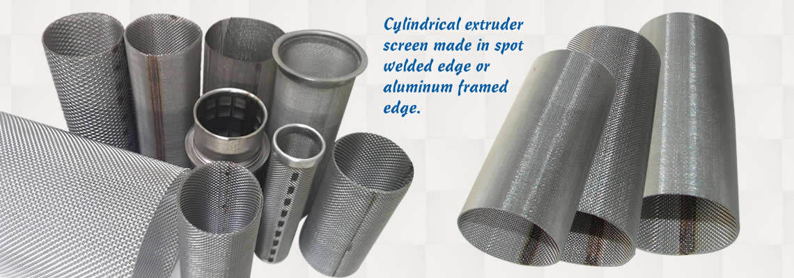 There are various cylindrical extruder screens with different sizes and shapes on the white background.
