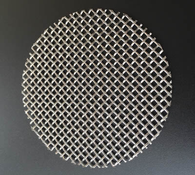 A layer of stainless steel mesh with 0.75 mm wire diameter and 11 mesh for extruder scereen.