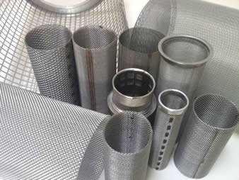 Several different kinds of cylindrical extruder screens with spot welded edge or aluminum framed edge.